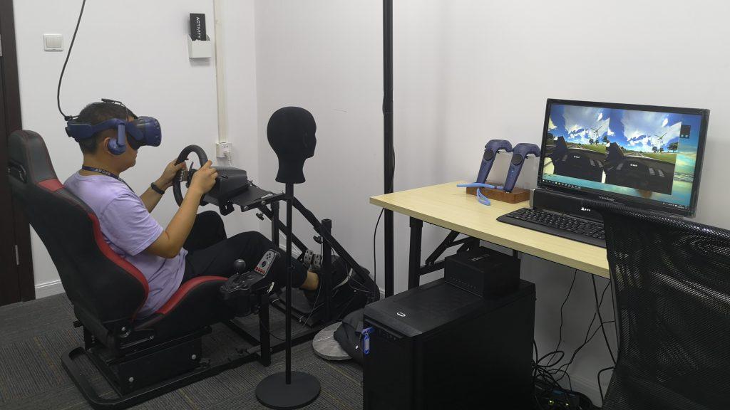 VR头盔式驾驶模拟器
